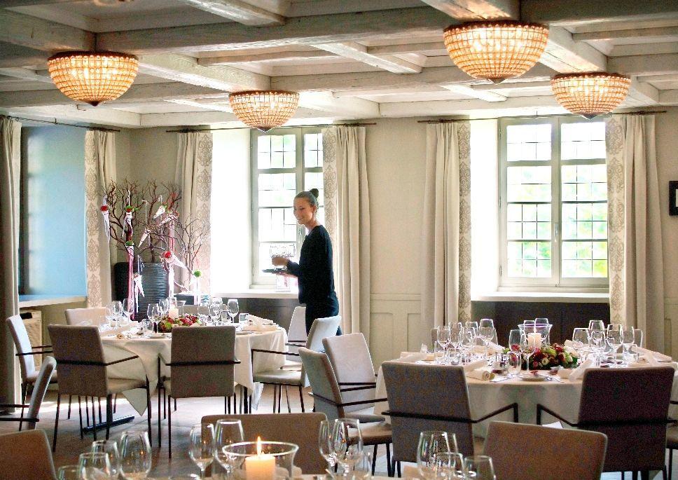 Romantisch sinnlicher Burgensaal, Foto: Hotel Bad Bubendorf.