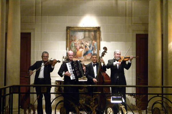 Os Violinos Mágicos de Murillo Loures