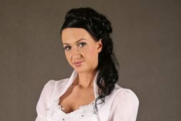 Amelia pracownia sukien - bolerka ślubne