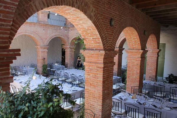 Palacio De Hoyuelos