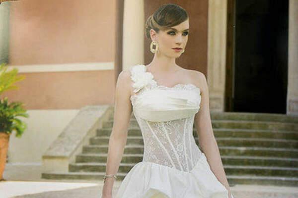 Braut- und Abendmode Charlott