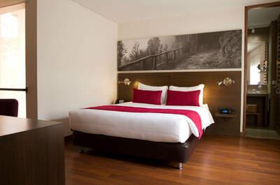 Retiro 84 Aparta Suites