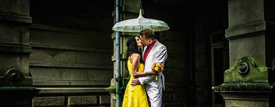 Beispiel: Hochzeitsfotos für ausgefallene Brautpaar, Foto: Kajul Photography.