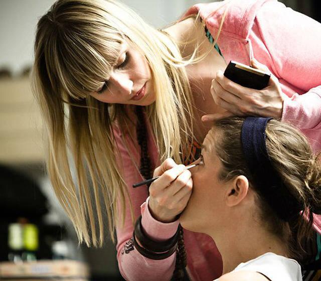 Beispiel: Make-up für die Braut, Foto: Visagistin-ng.