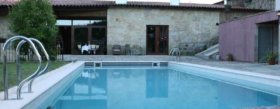 Hotel Rural Alves / Casa Alves de Torneiros