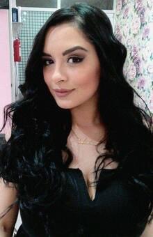 Mym Pop Peinado y Maquillaje