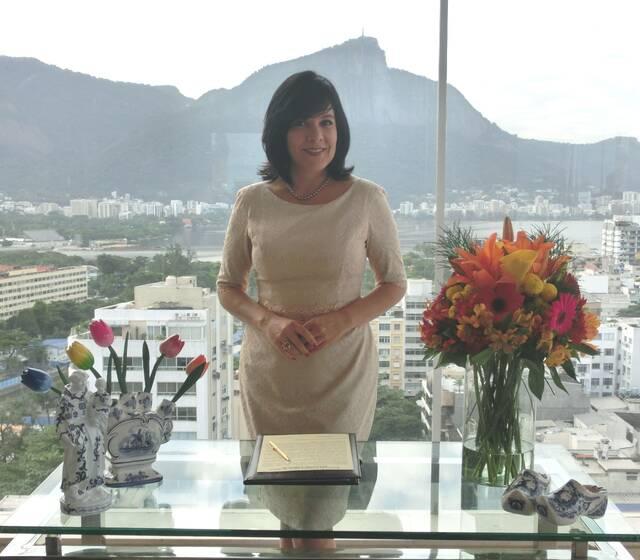 Flavia Fernandes Celebrante de Casamentos