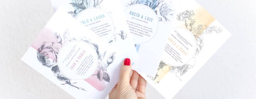 Invitación floral: Invitación floral impresa en cartulina cyclus offset reciclada de 350 grs en tamaño 12,5×17,5cms  y acompañada de un sobre a escoger entre color kraft o blanco roto.