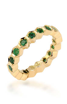 Ring in yellow gold with emeralds