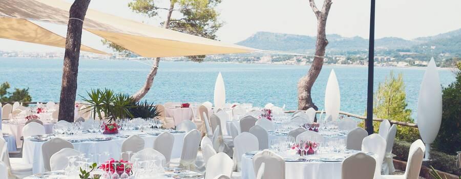 Montaje para banquete en exterior