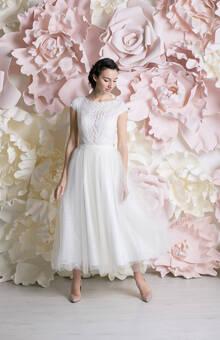 """""""Джинет"""" - свадебное платье длины миди с пышной расклешенной юбочкой"""