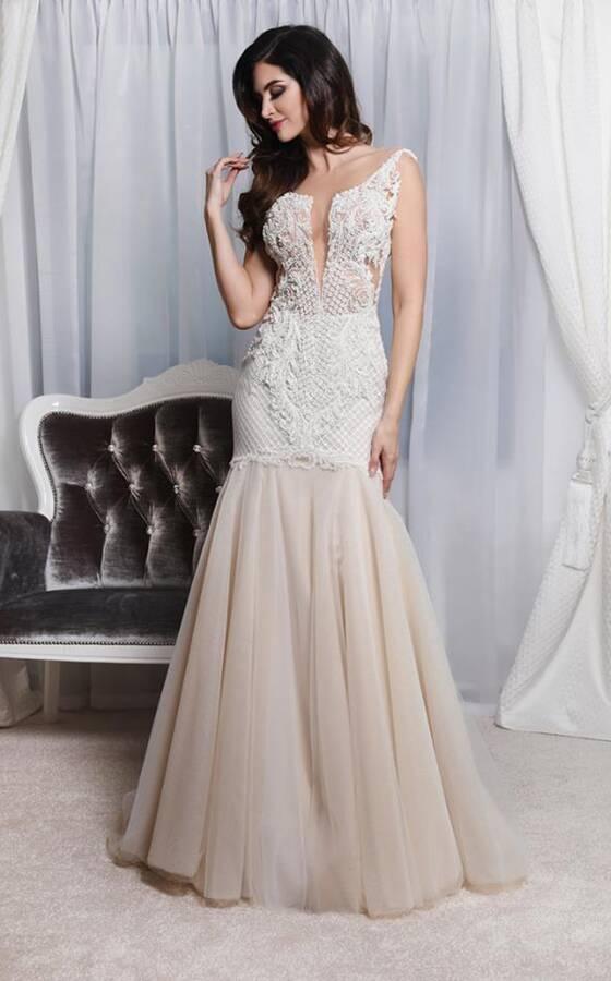 37357c1bd9 Salon Sukien Ślubnych Visual Chris. 3. ZIWA 2018. 37. Zobacz 37 zdjęć