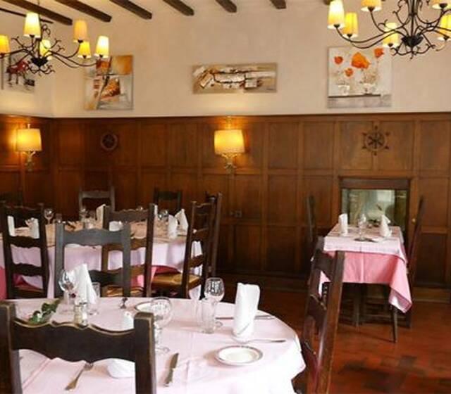 ©Restaurant Le Cheval Blanc, Montmort-Lucy