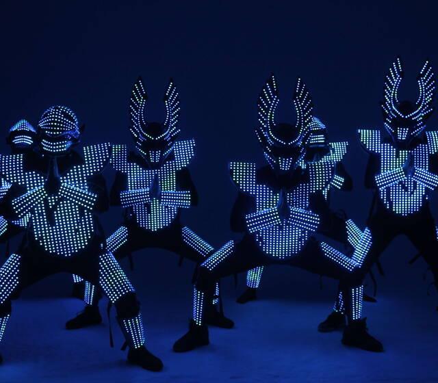 Световое шоу от  участников проекта танцы на ТНТ
