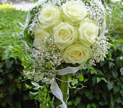 Beispiel: Brautstrauß, Foto: Der Blumenladen.