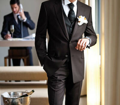 Beispiel: Der Anzug für den Bräutigam, Foto: Brautmoden Isabel Bräutigam.