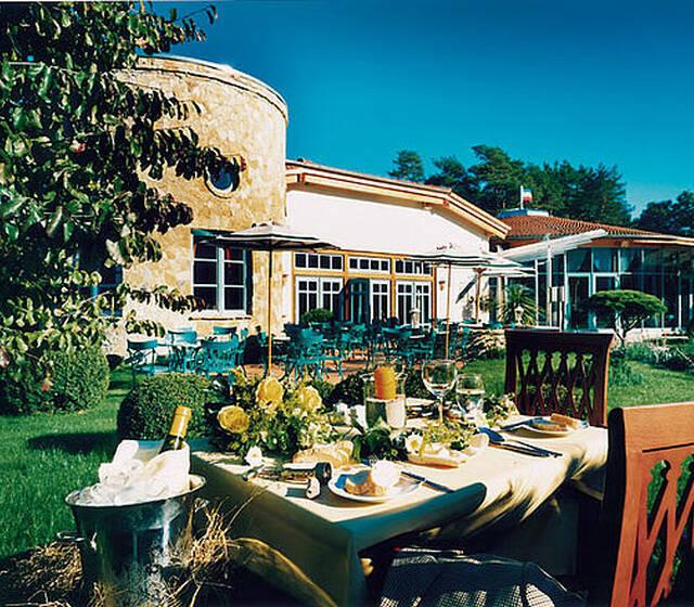 Beispiel: Restaurant mit Terrasse, Foto: Travel Charme Bernstein Prerow.
