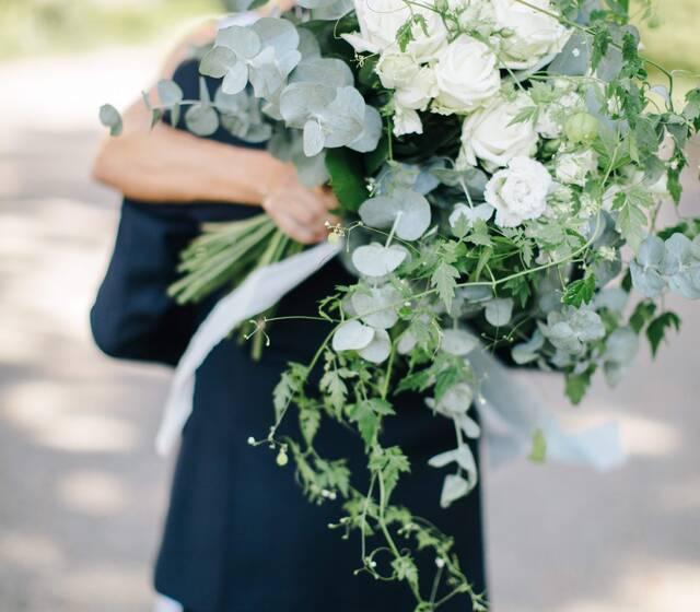 Dieser wunderschöne Brautstrauss mit Seidenbändern,entstand durch die äusserst begabten Hände unserer Floristin Jeannine  Foto by Sandra Marusic Photography