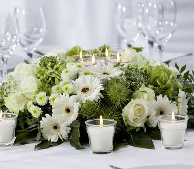 Beispiel: Hochzeitsdekoration, Foto: 1A Blumen Halbig.