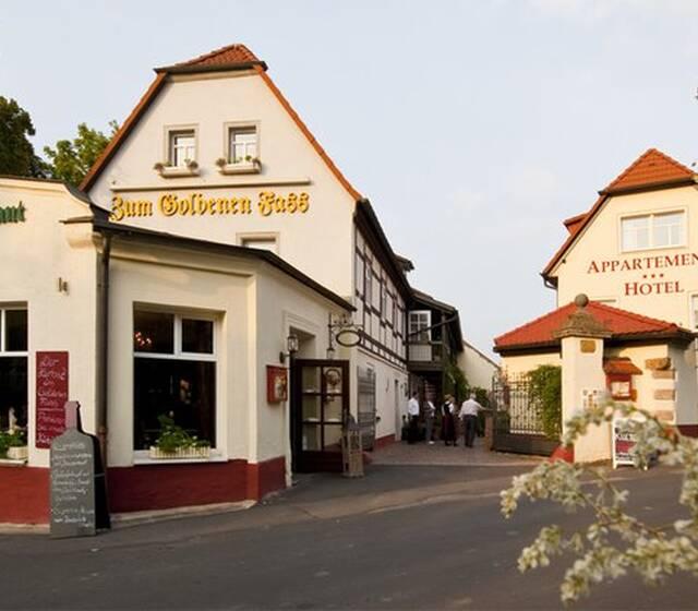 Beispiel: Aussenansicht / Hotelanlage, Foto: Hotel & Restaurant Goldenes Fass Meissen.