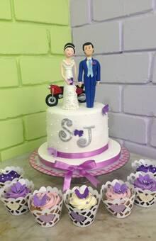 Minitorta y cupcakes de boda