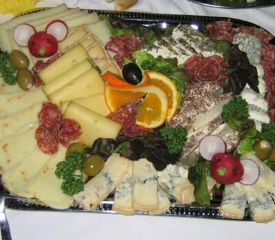 Beispiel: Käseplatte, Foto: Gasthof Zum Goldenen Stern,