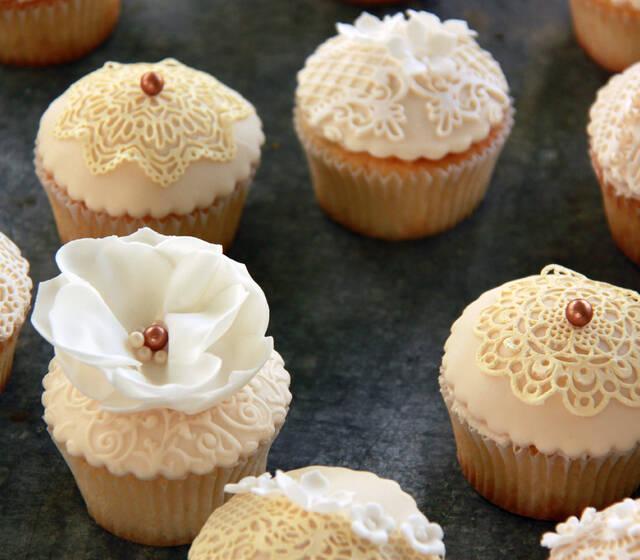 Vintage Cupcakes Ivory Sugar-Sweet