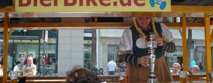 Beispiel: Gruppenfahrrad mit Zapfanlage, Foto: BierBike Ulm.
