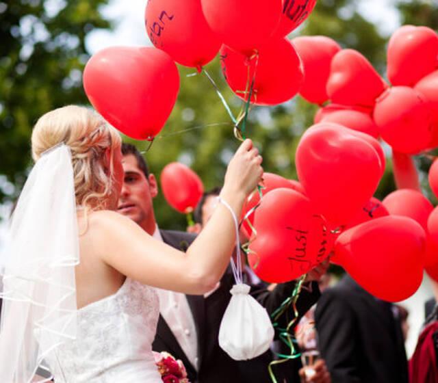Beispiel: Hochzeitsballons, Foto: BallonMOBIL.