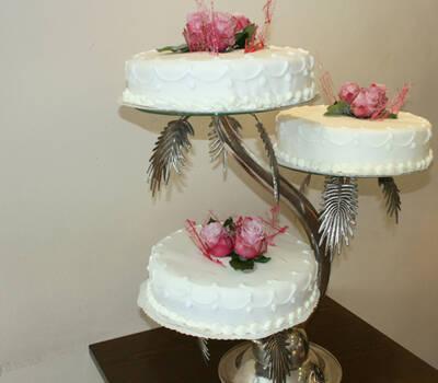 Beispiel: Mehrstöckige Hochzeitstorten, Foto: conditoria.