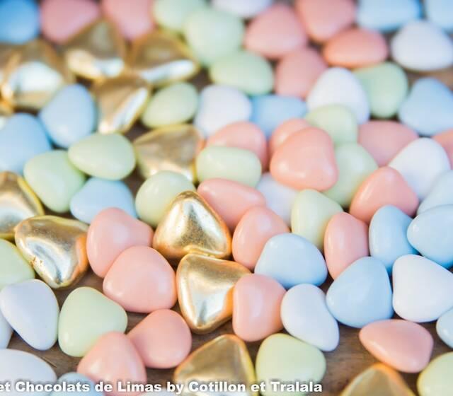 dragées mini-cœurs chocolat pastel et or