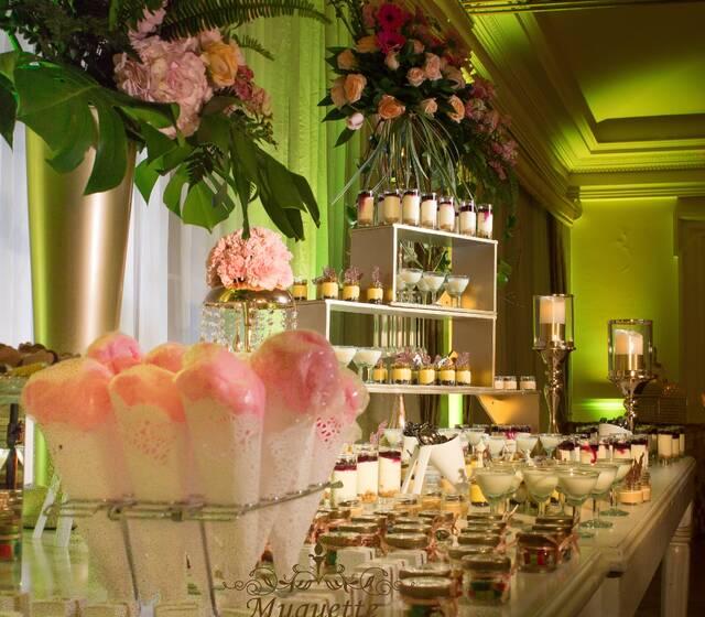 nuestra hermosa mesa de postres y dulces