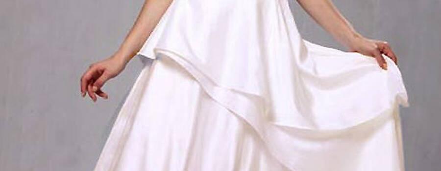 Beispiel: Romantisches Brautkleid, Foto: Nachtigall & Lerche.