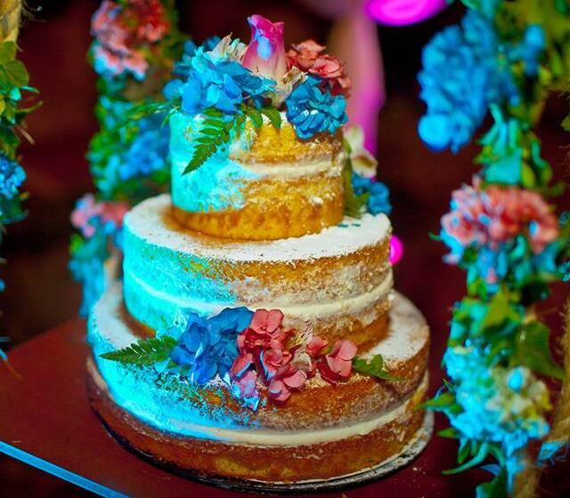Naked cake 15 años rustico