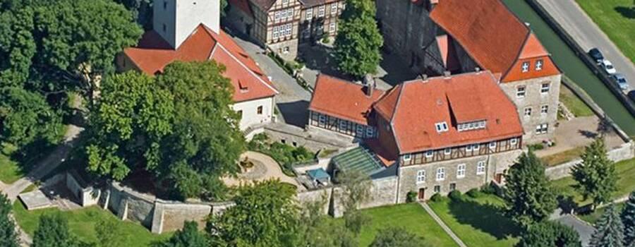 Beispiel: Burg von oben, Foto: Burg Warberg.
