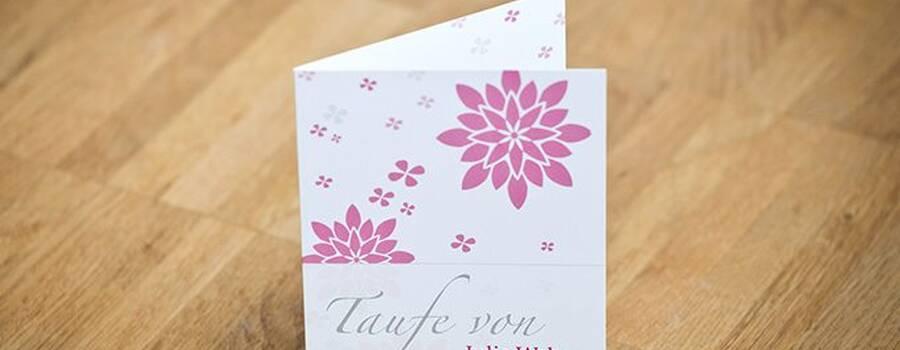 Beispiel: Einladungskarten Taufe, Foto:  Familieneinladungen.