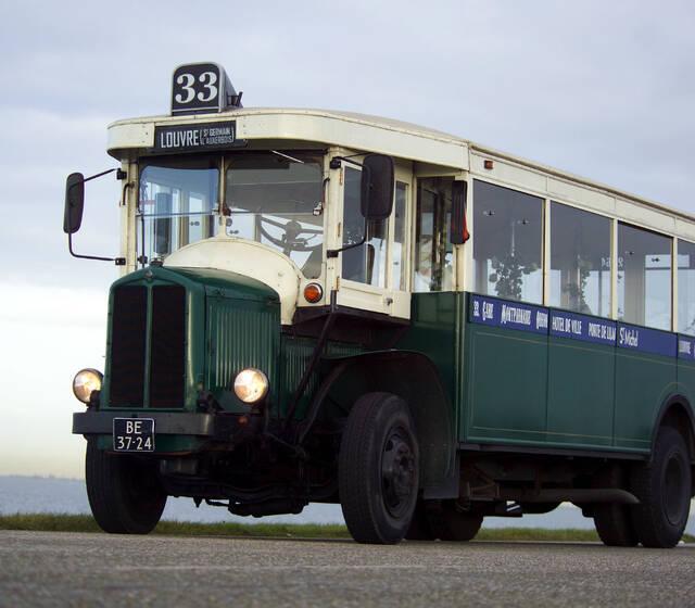 parijse bus 1933  33 zitplaatsen  7 staplaatsen