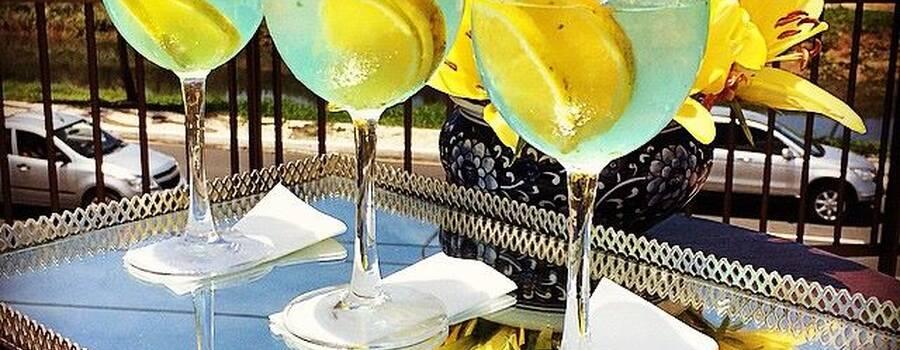 Um bom negocio, sempre tem que ter uma boa bebida pra comemorar... Eis o drink D'AZUR.  Criação Concept Bar para o empreendimento D´azur. Odebrecht Realizações.