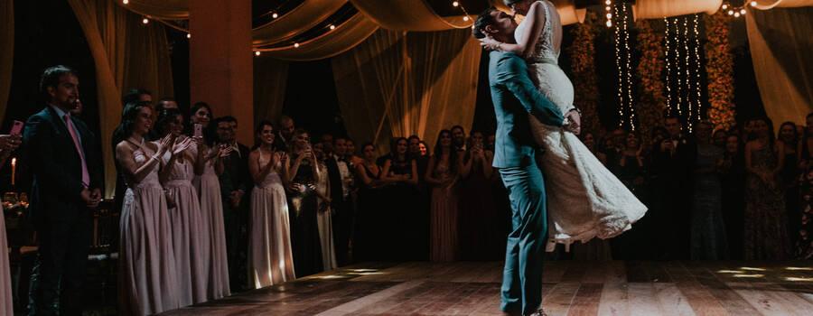 Lucia & Carlos  en un momento inolvidable de su Primer Baile