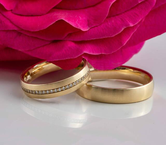 feines rose gold mit weißgold und Brillanten