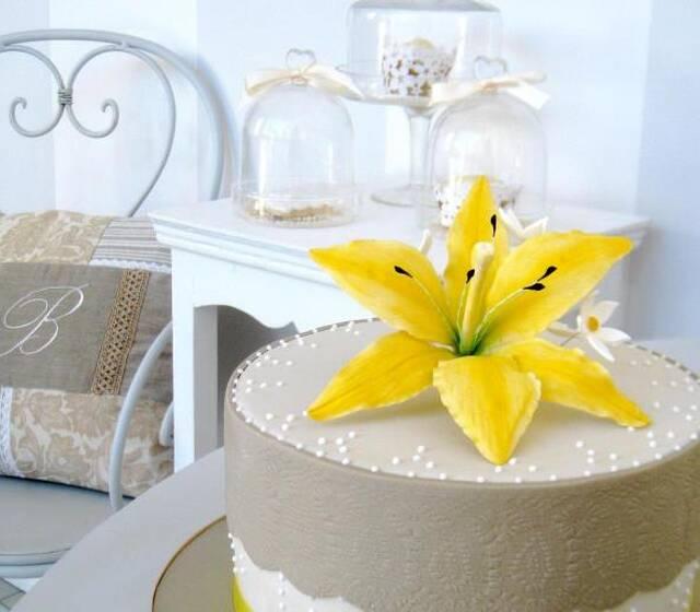 Wedding Cake Bella's Bakery