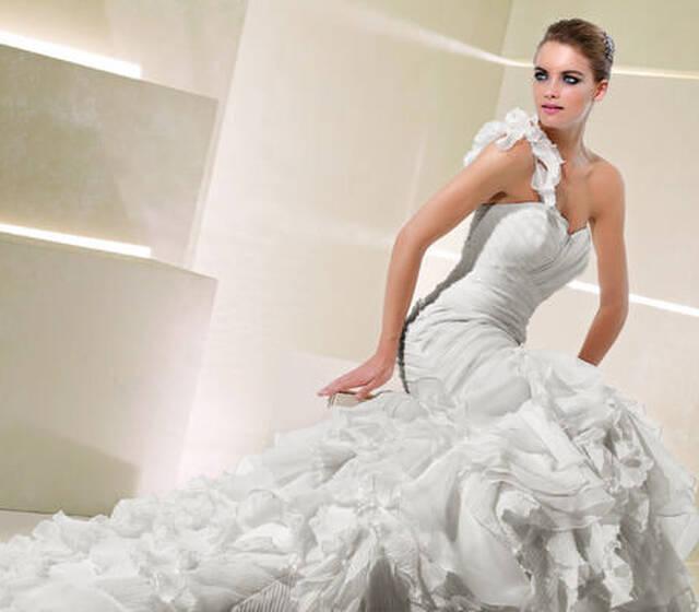 Lumi Brautmoden Brautgeschafte Besuchen