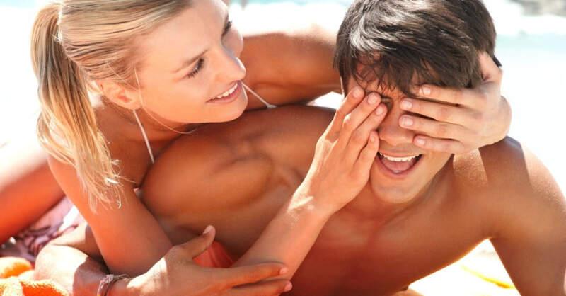 casal-feliz-excesso-over-a.jpg