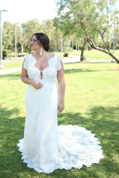 Ausgewahlte Brautkleider Fur Frauen Mit Grosser Oberweite So Finden