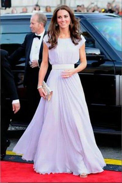 Kate Middleton in Alexander McQueen Foto:www.yuotube.com