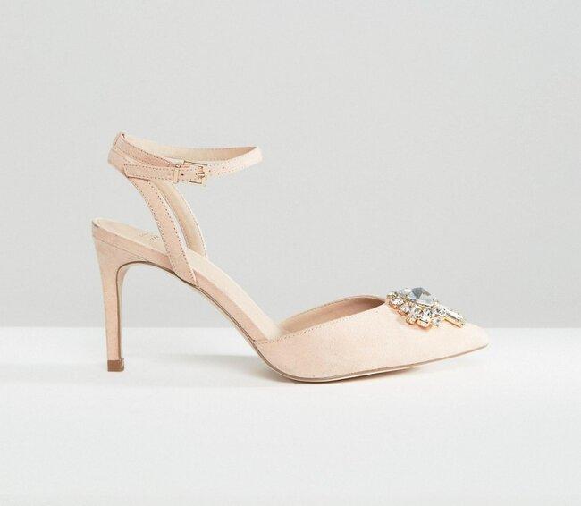 Zapatos de tacón de corte ancho con adornos SOCIETY, Asos.