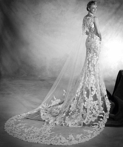 Couture Wedding Invitations is luxury invitation sample