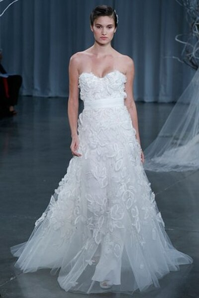 Monique Lhuillier Fall 2013 wedding dress