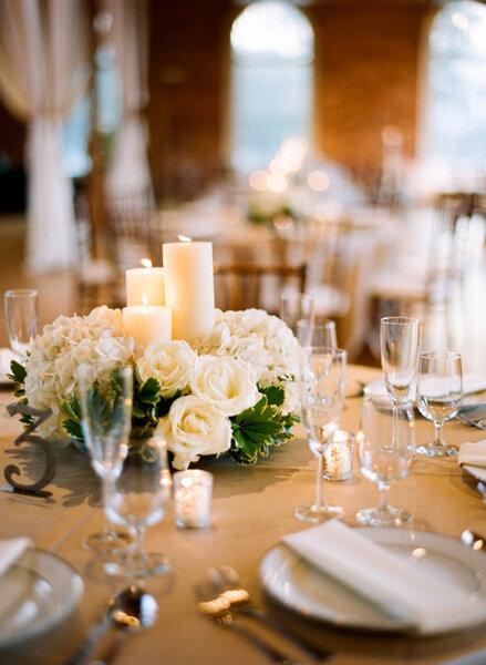Centrotavola con candele ecco l 39 idea pi romantica per il tuo matrimonio - Centro tavola con candele ...