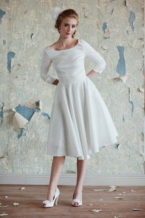 Moderne Midi Brautkleider – Ein Hauch 50s Glamour für Ihre Hochzeit!